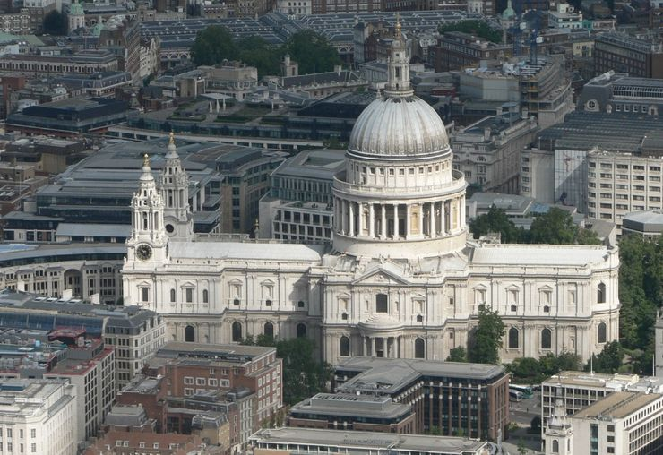 View of Saint Paul's Cathedral from the air