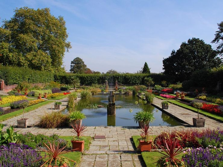 A Peaceful Formal Pond Garden near the Palace in Kensington Gardens