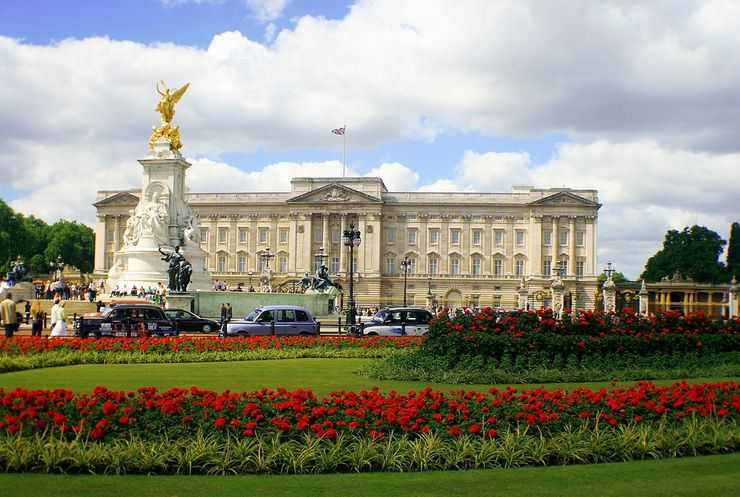 East facade of Buckingham Palace