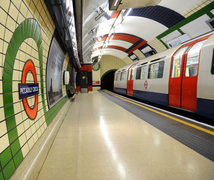 London Tube Train stopped in Picadilly Station