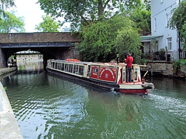 London Waterbus on Regent's Canal