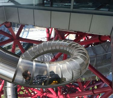 Riding the ArcelorMittal Orbit Slide