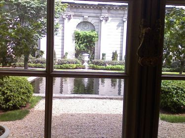 Garden in the Frick Collection Museum