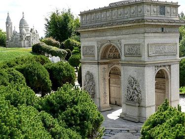 Incredibly detailed miniature of the Arc-de-Triomphe and the Sacre Coeur at France Miniature