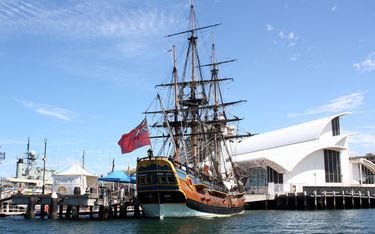 The HMV Endeavour and Australian National Maritime Museum