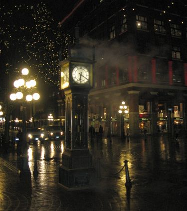 Steam Clock at Night in Vancouver's Historic Gastown