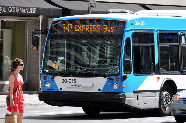 Montreal Airport Express Bus