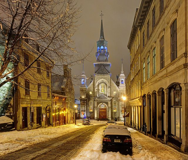 Beautiful picture of Notre-Dame-de-Bon-Secours at night