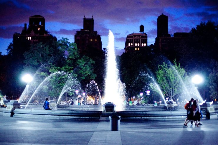 Washington Square Fountain at night