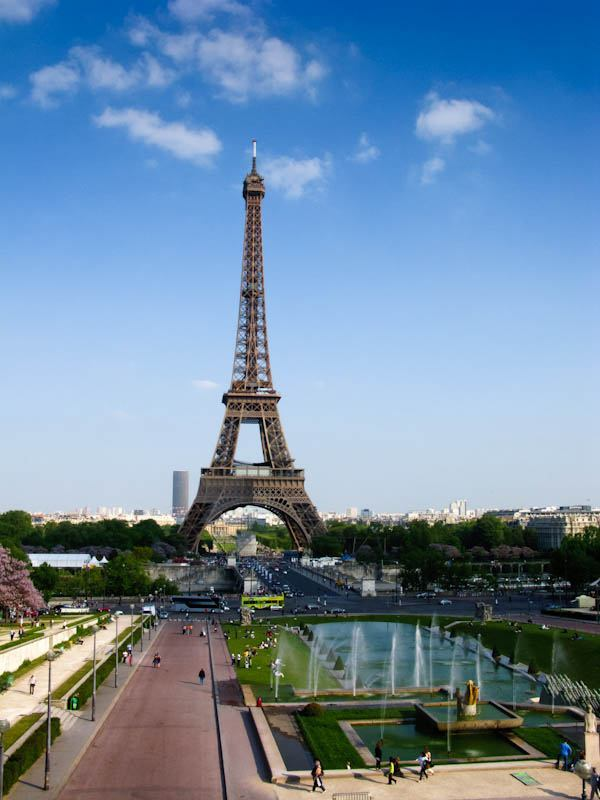 Superb view of the Eiffel Tower from the Jardin du Trocadero