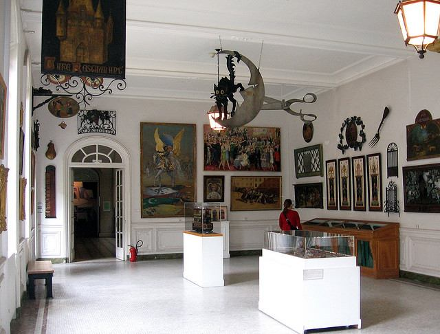 Paintings and exhibits inside the Musée Carnavalet