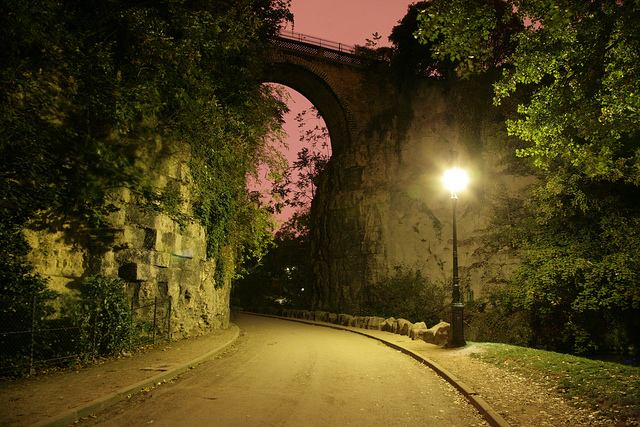 Beautiful Parc des Buttes-Chaumont at dusk