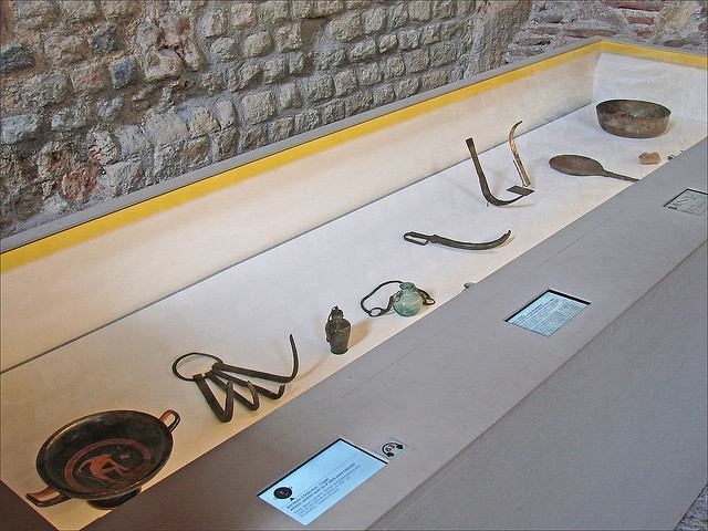 Ancient body care exhibits at the Cluny