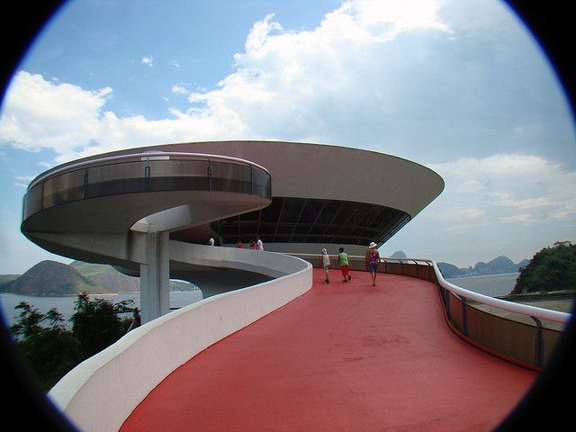 Graceful lines of the MAC de Niteroi
