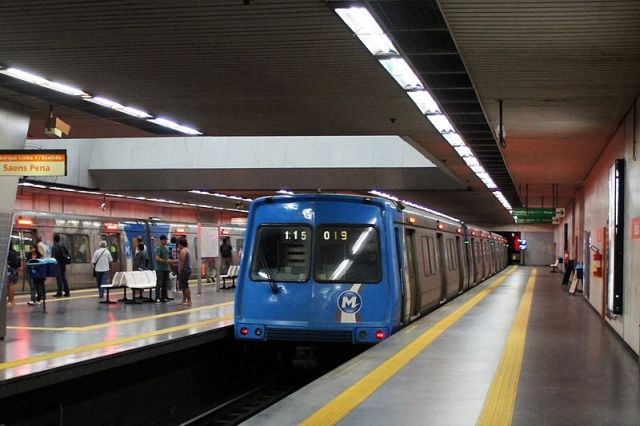 Rio Metro in Estacio Station