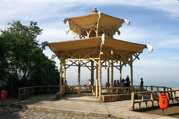 Pagoda and Viewpoint at Vista Chinesa