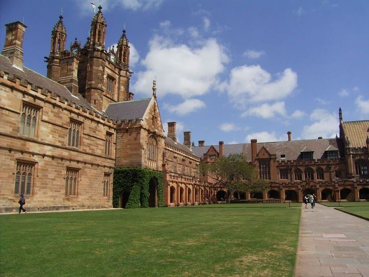 Main Quadrangle and Grand Tower of the University of Sydney