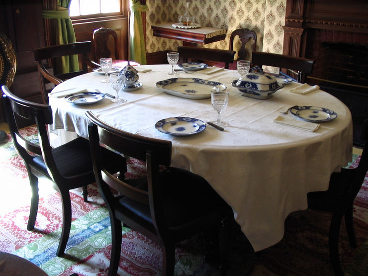 Table setting inside the Mackenzie House