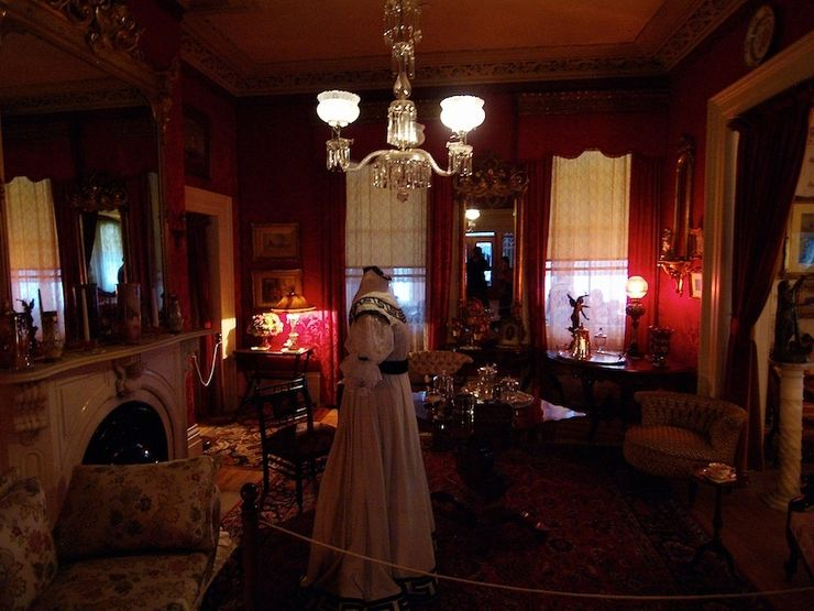 Inside the Spadina House