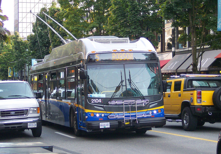 Electric Trolley Bus on Vancouver's trendy Robson Street