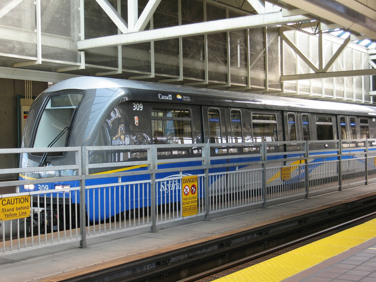 Vancouver Skytrain in Station